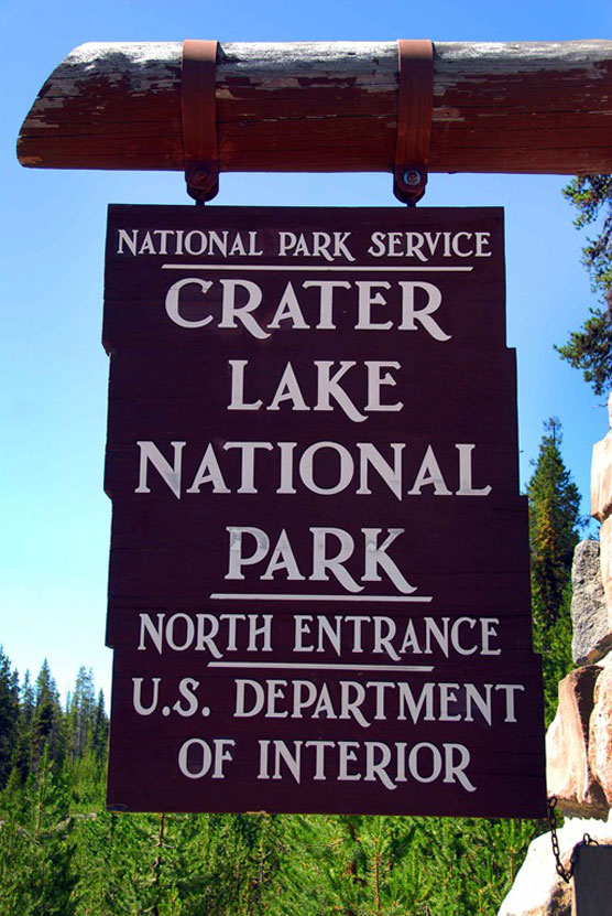 Crater-Lake-Sign