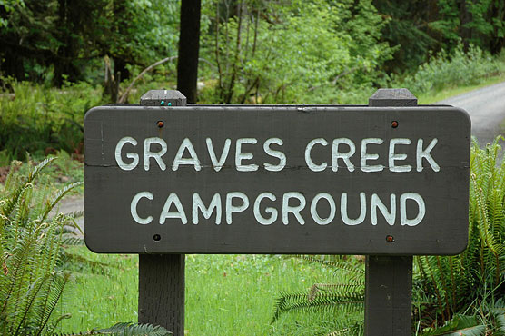 Graves_Creek_Sign