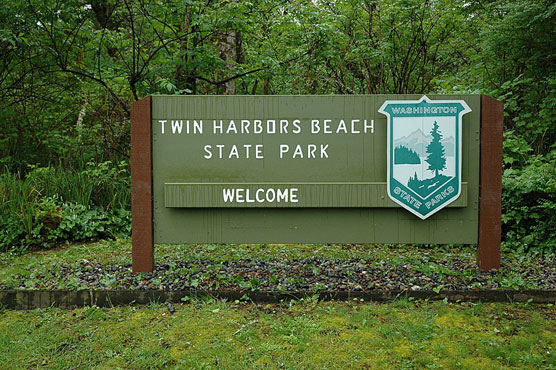 Twin-Harbors-Sign