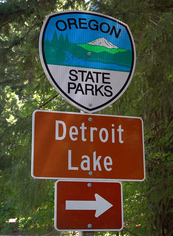 Detroit-Lake-Sign