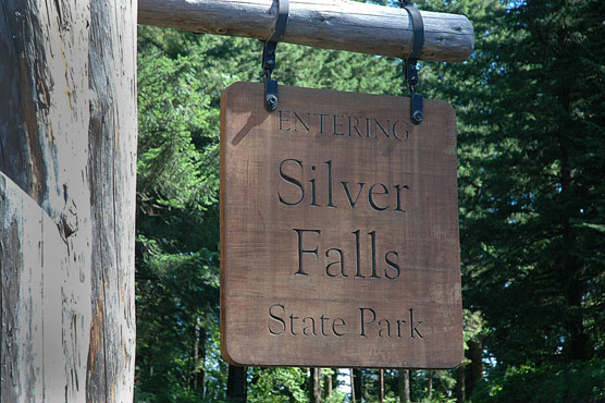 Silver-Falls-Sign