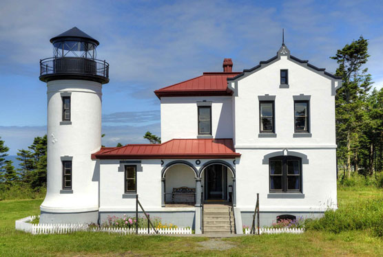Admiralty-Head-Lighthouse