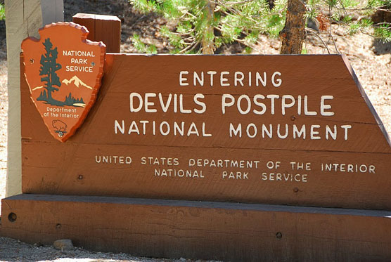 Devils-Postpile-Sign
