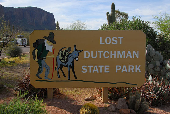 Lost-Dutchman-Sign