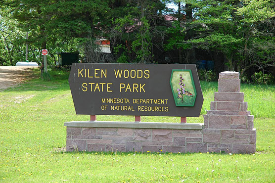Kilen-Woods-Sign