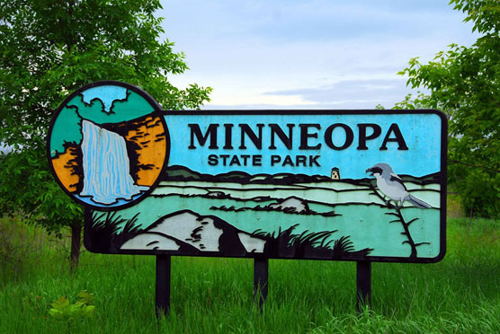 Minneopa-Sign