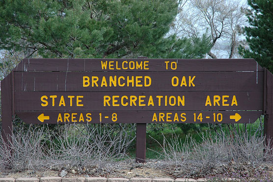 Branched-Oak-Lake-Sign