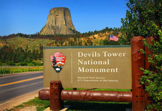 Devils-Tower-Sign