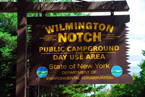 Wilmington-Notch-Sign
