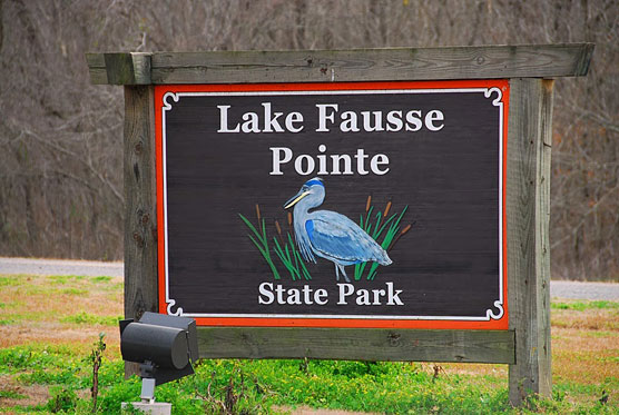 Lake-Fausse-Pointe-Sign