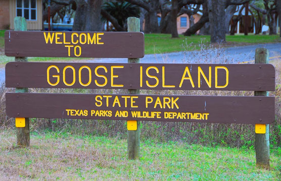 Goose-Island-Sign
