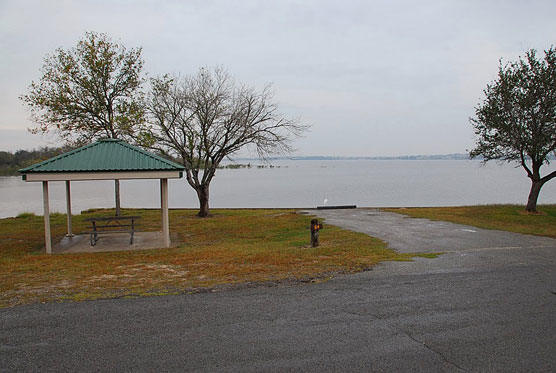 Four great texas gulf coast campgrounds campsite photos for Lake corpus christi fishing