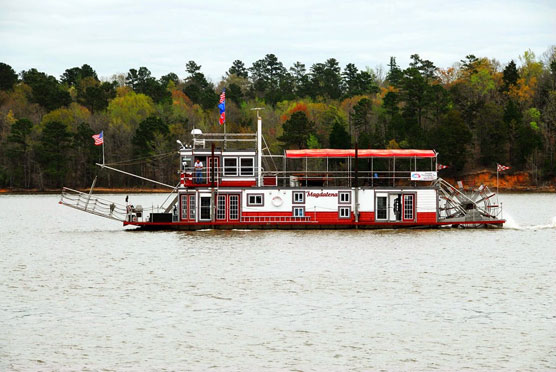 Lake-Wateree-Paddlewheeler