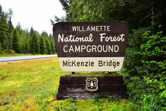 McKenzie-Bridge-Sign