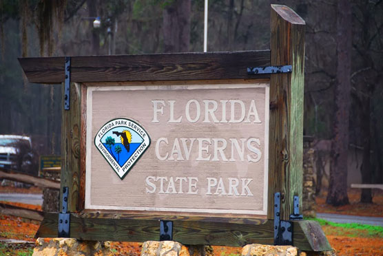 Florida-Caverns-Sign