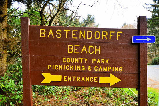 Bastendorff-Beach-Sign