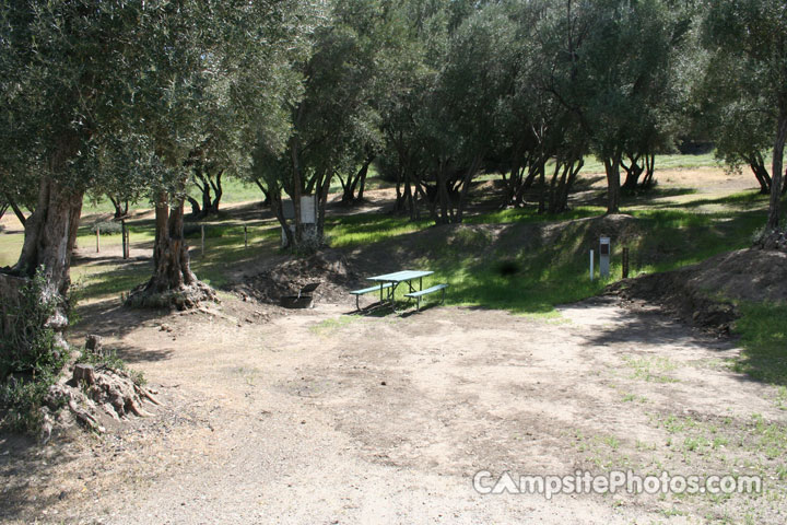 Lake Piru Olive Grove Campground 182