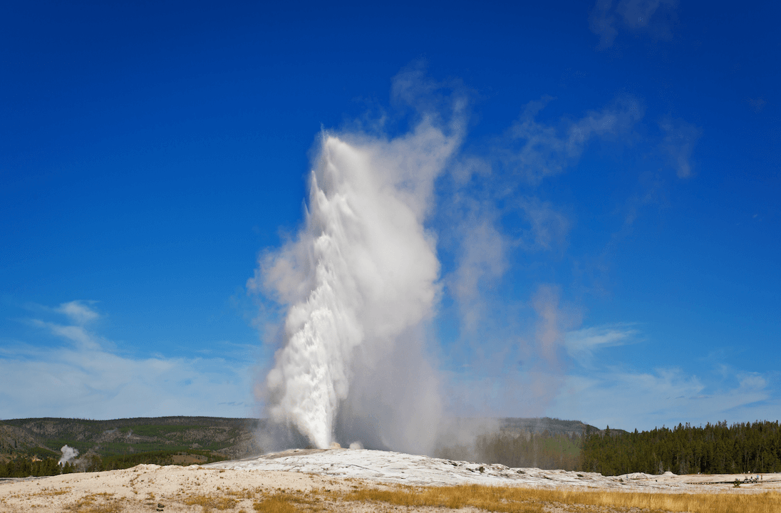 Old Faithful Geyser Eruption Webcam