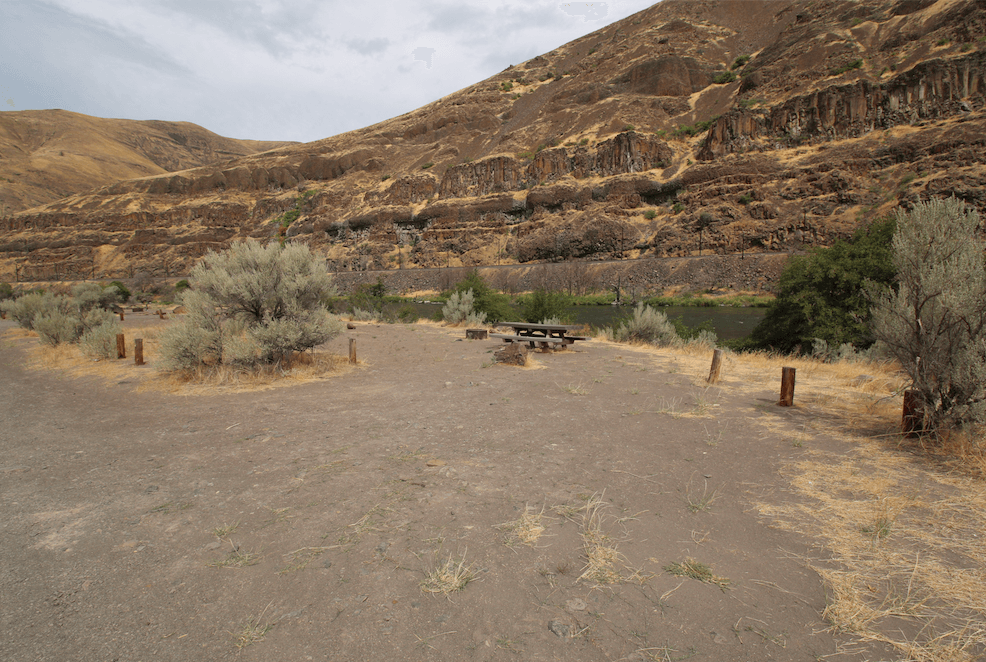 Best Lower Deschutes River Campgrounds - Twin Springs Site 5